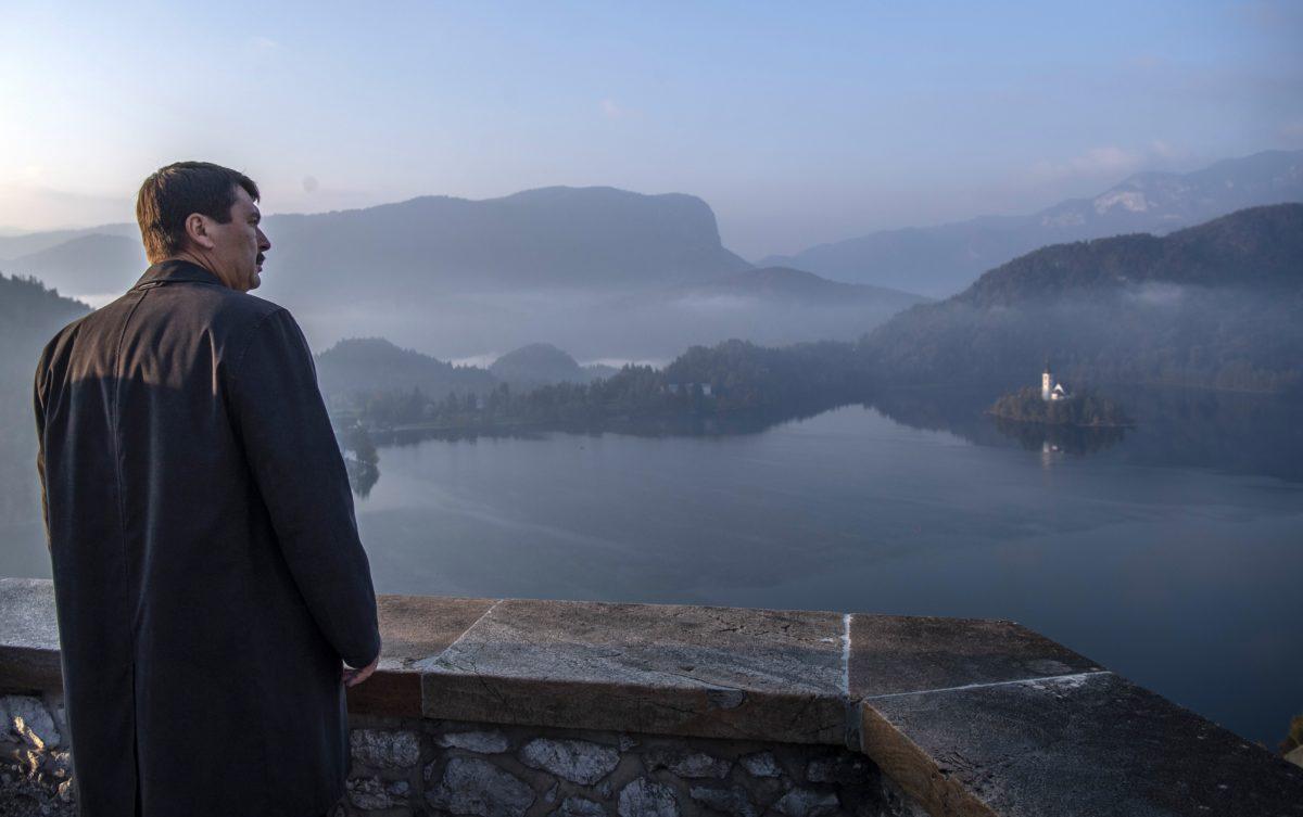 A szlovéniai látogatáson tartózkodó Áder János köztársasági elnök a bledi várban 2018. október 20-án.