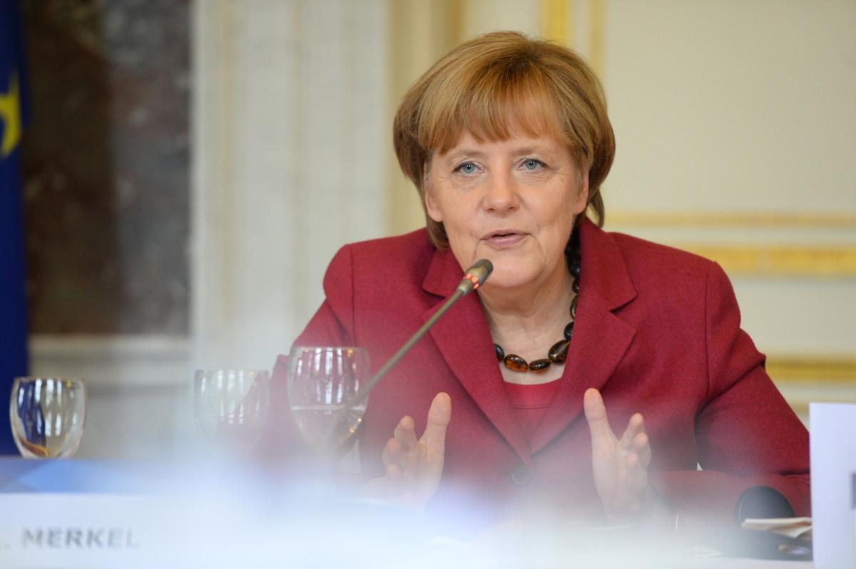Merkel: az Európai Néppárt értékekről szól a Fidesz tagsága körüli vita