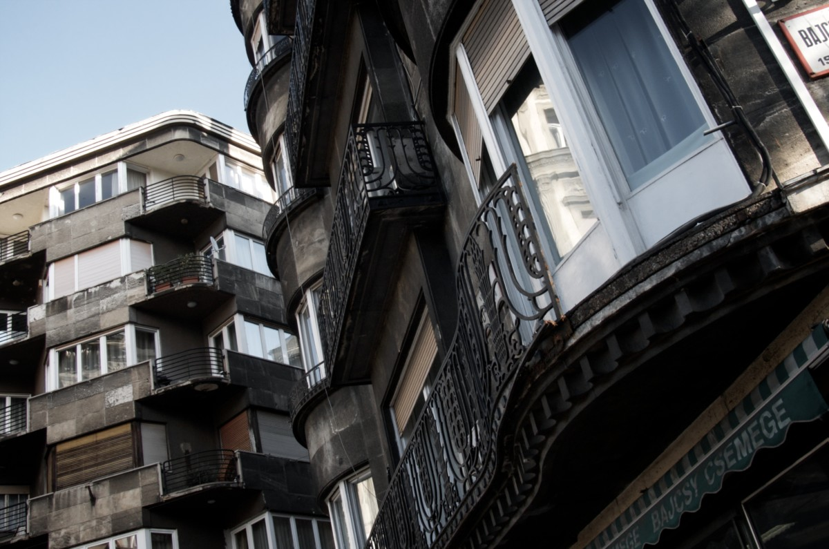 Még mindig olcsók a pesti lakások a környező fővárosokhoz képest
