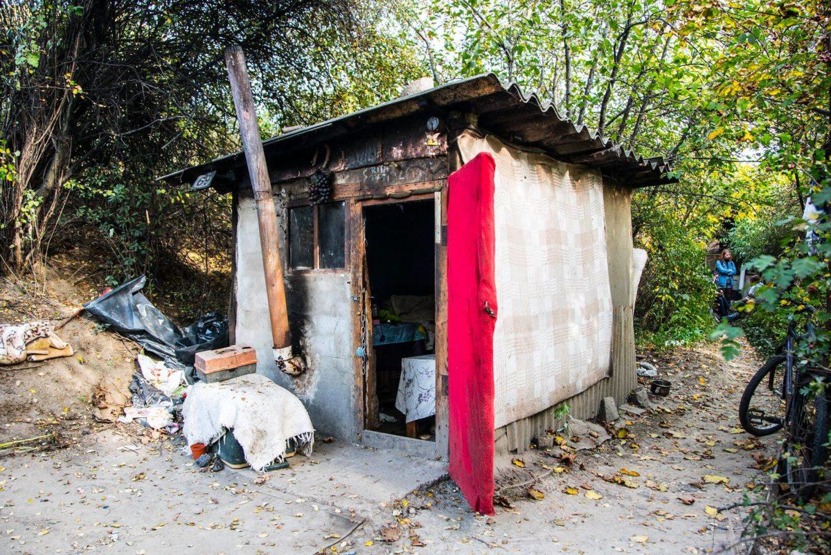 Munkagépekkel rombolták le a hajléktalanok kunyhóit Kispesten