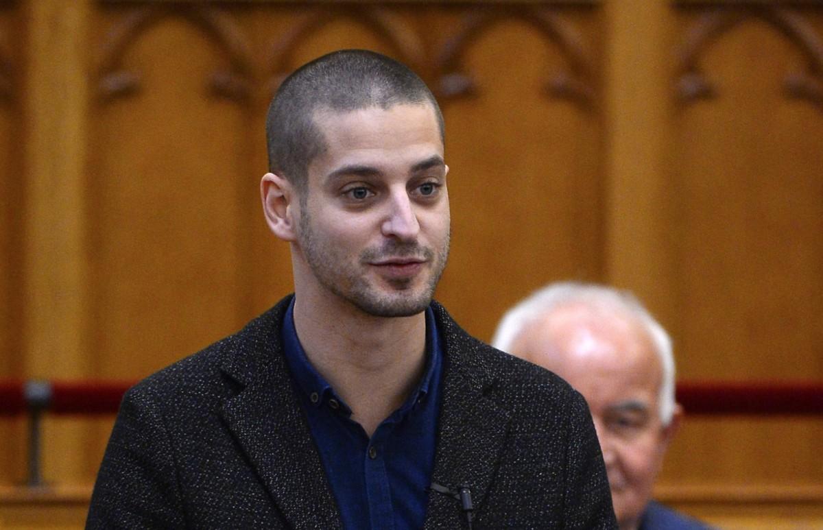 Ungár Péter megemelné az otthoni ápolási díjat, a Fidesz dühös közleménnyel reagált