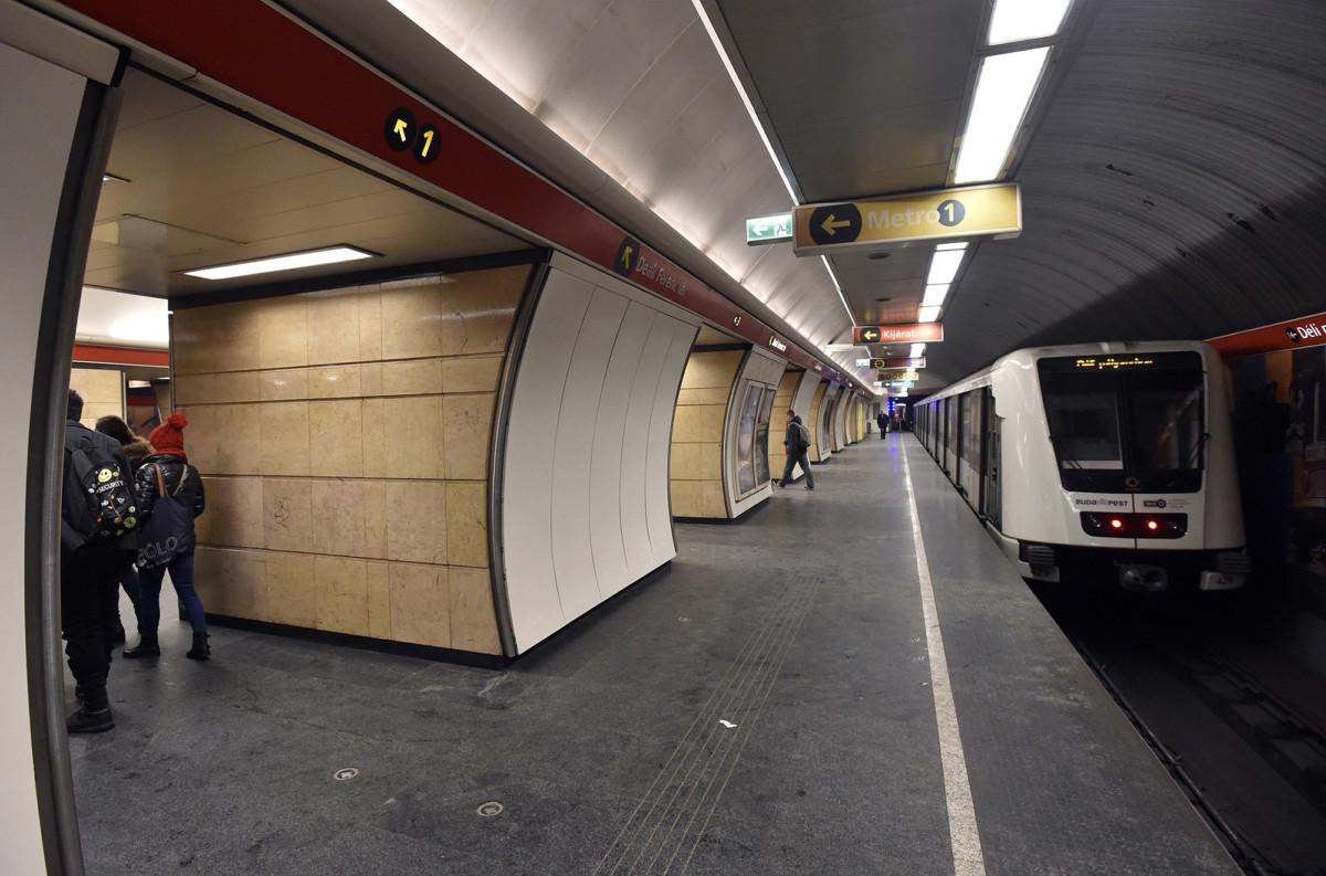 A 2-es metróvonal Deák Ferenc téri állomása.