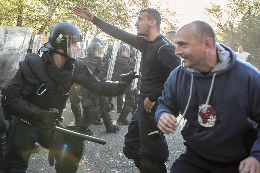Tömegkezelési gyorstalpaló a rendőröknél