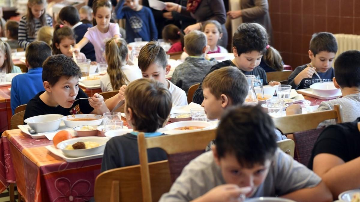 Enni adott osztálytársának egy budapesti alsós, megbüntette a tanár