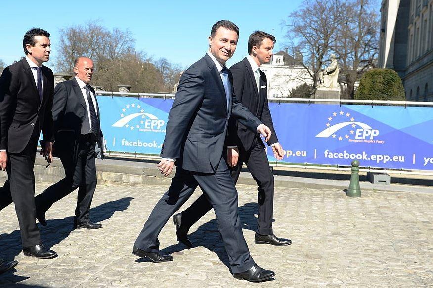 Nikola Gruevszki (középen, a kamerába nézve) 2014-ben Brüsszelben, az Európai Néppárt találkozóján.