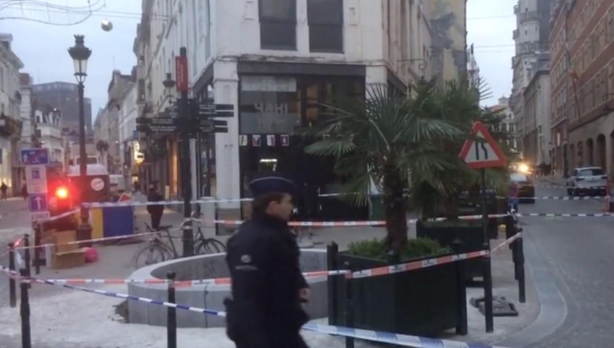 Megkéseltek egy rendőrt Brüsszelben, egyes források szerint terrortámadás történt