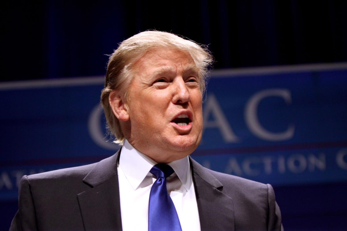 Még a trumpista Fox News is támogatja a CNN-t Fehér Ház-i tudósítója ügyében indított ügyében