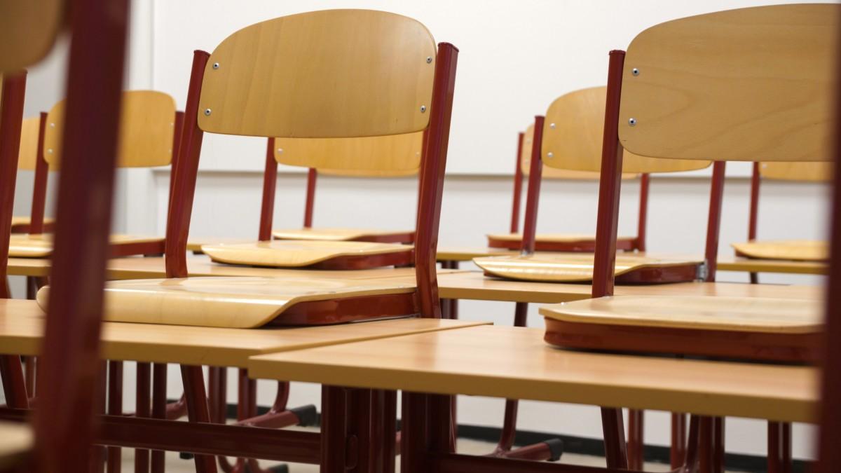 Diákjával dugatta magát egy Fejér megyei tanárnő hónapokon át
