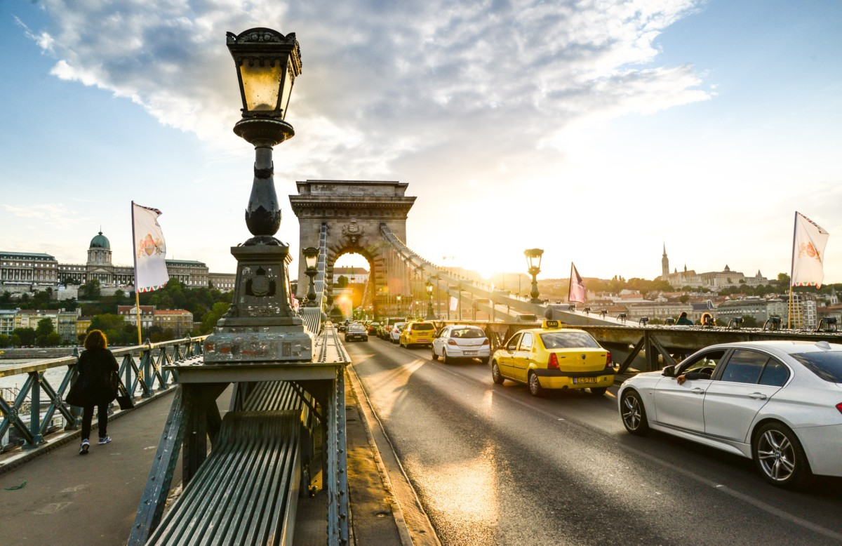 Turistaáradat fenyegeti Budapestet