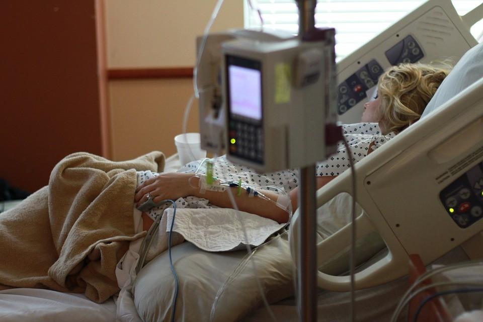 Meghalt egy nő a Honvédkórházban, nyilatkozott a lánya