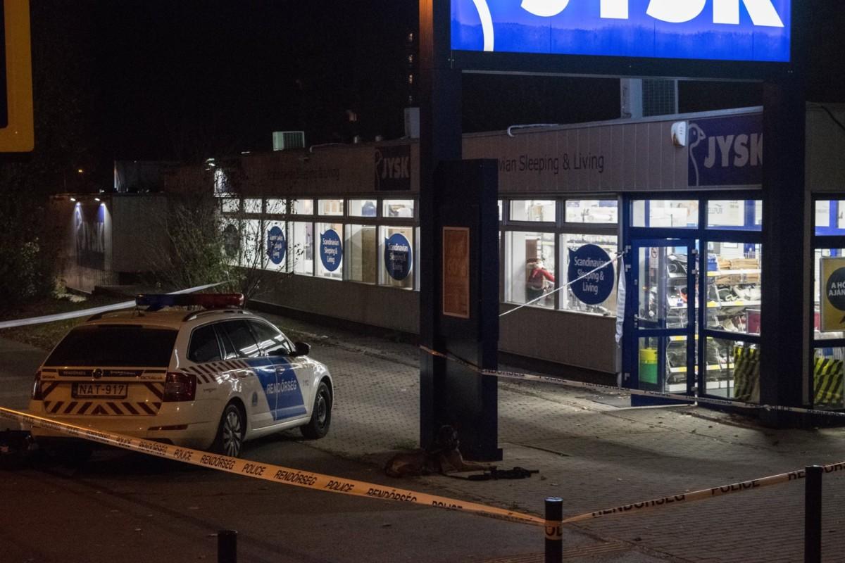 Fegyveres rablás történhetett egy XVII. kerületi áruháznál