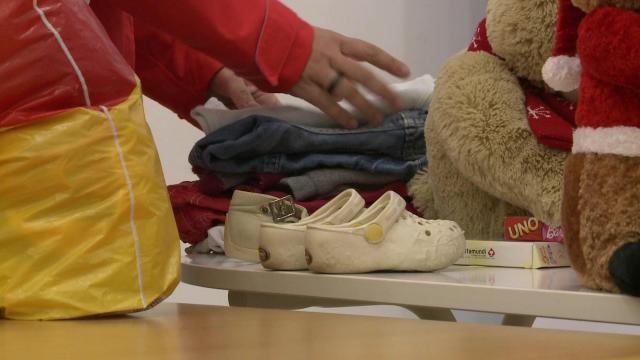 Kutyaszaros, ócska lomokat adományoznak az emberek a rászorulóknak