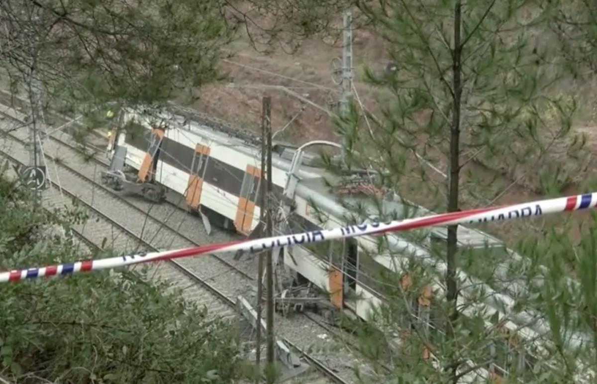 Kisiklott egy vonat Barcelona közelében, egy ember meghalt