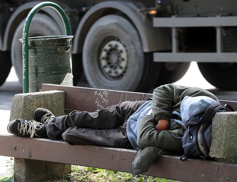 Megfagyott egy ember a Bosnyák téri buszmegállóban