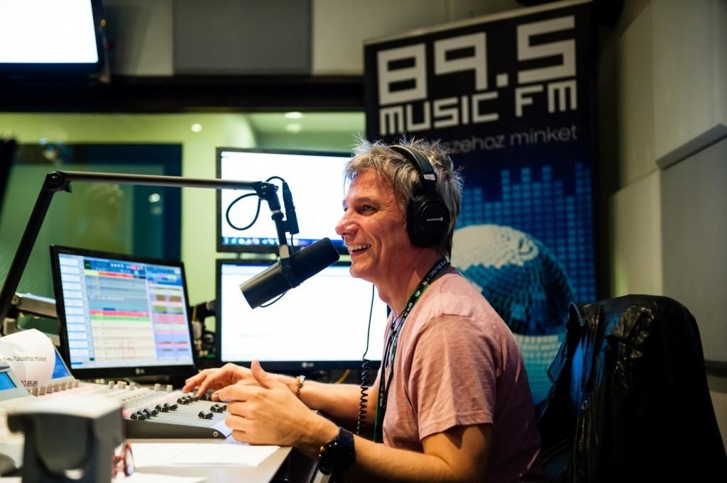 Bochkor Gábor a Music FM Önindító című műsorában.