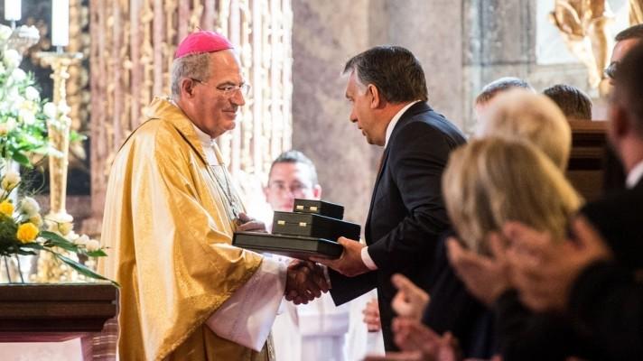Hatalmas összeget osztanak ki Orbánék a magyar és határon túli egyházaknak