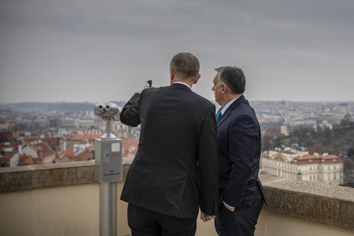 Orbán Viktor miniszterelnök (j) és Andrej Babis cseh miniszterelnök találkozója Prágában 2018. november 30-án.