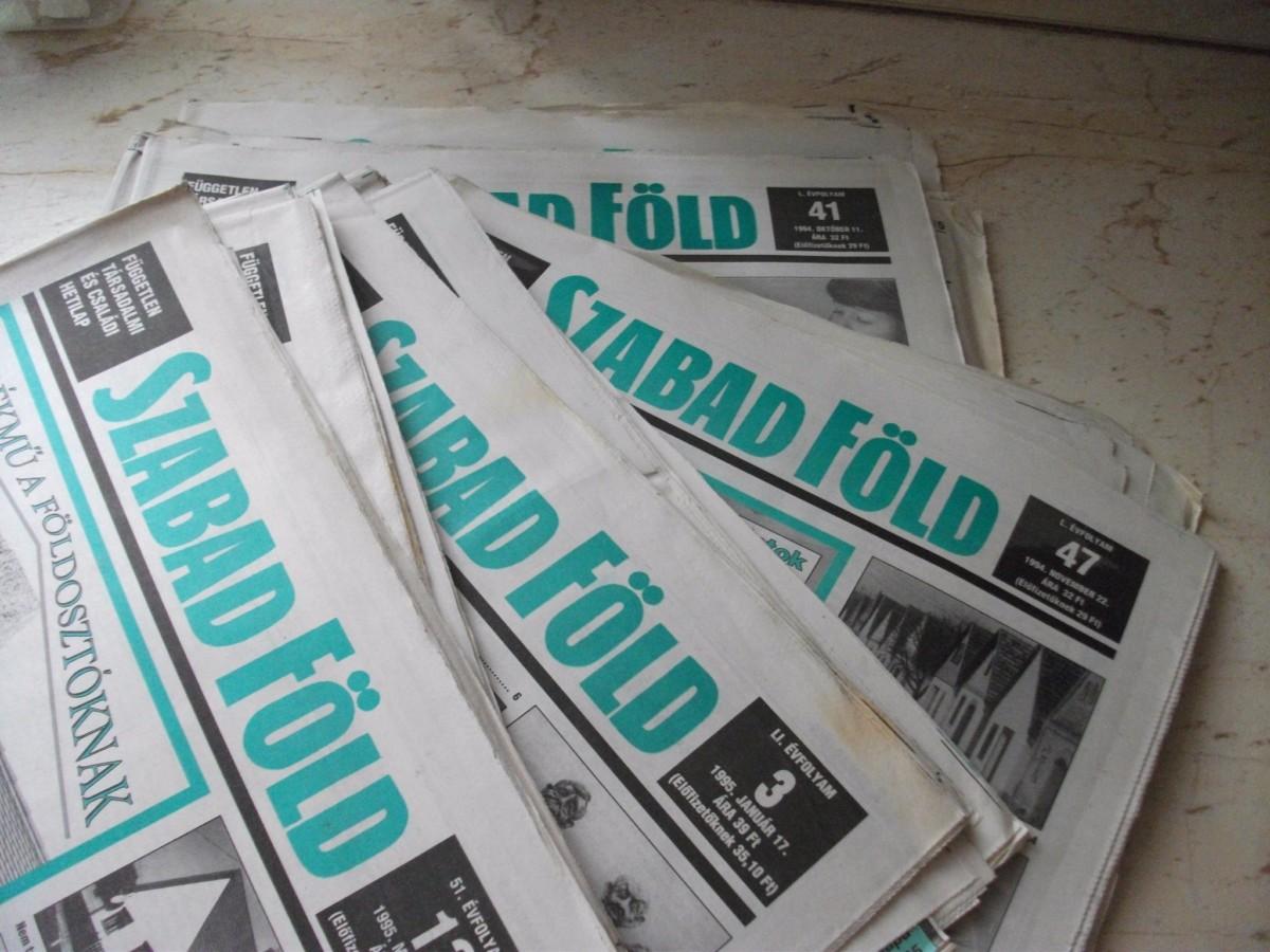 A Szabad Föld társadalmi és családi hetilap néhány száma 1994-95-ből.