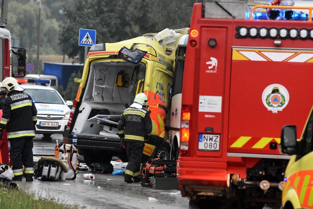 Meghalt a szolnoki mentőbaleset után kómába esett mentőápoló