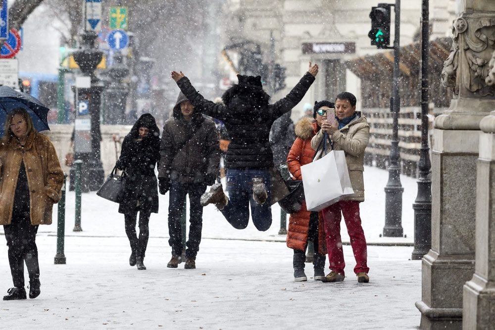 Több megyére figyelmeztetést adtak ki a havazás miatt