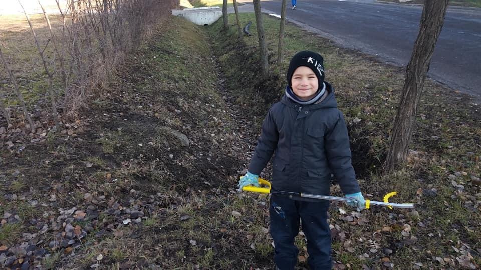 Egy magyar kissrác szemétcsipeszt kért karácsonyra, hogy tisztábbá tegye a világot