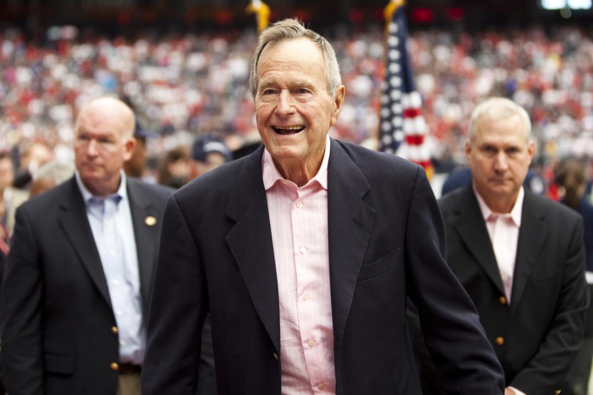 Meghalt idősebb George Bush volt amerikai elnök
