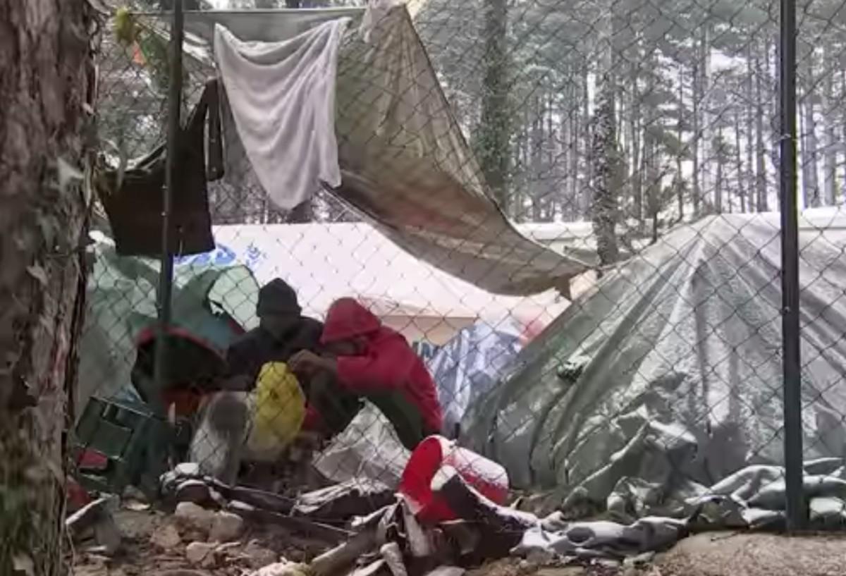 Vöröskereszt: kihűlés fenyeget bevándorlók ezreit Boszniában