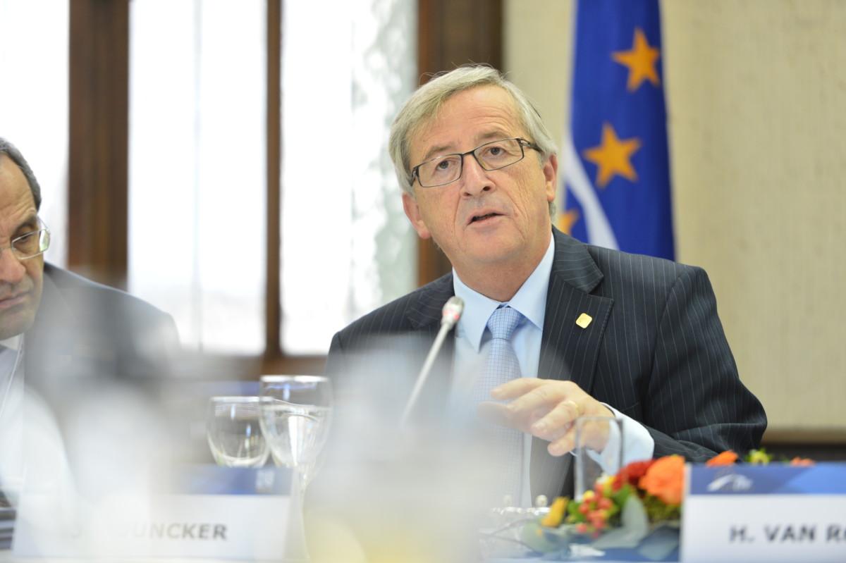 Juncker: Orbán Viktor álhíreket terjeszt