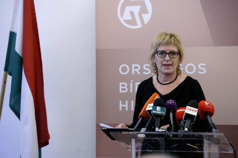 Handó Tünde, az OBH elnöke sajtótájékoztatót tart.