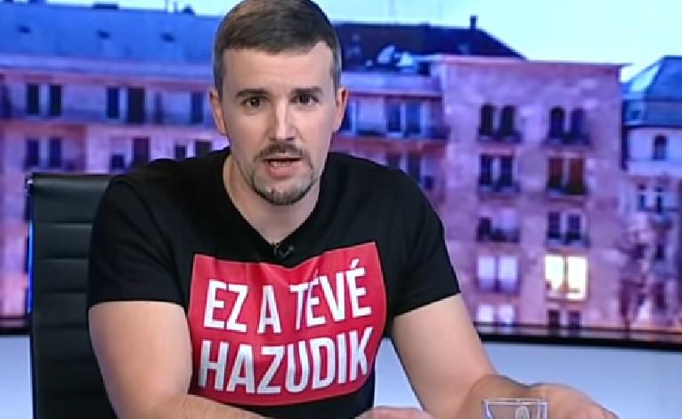 """""""Ez a tévé hazudik"""" pólóval ült be a Hír TV adásába a Jobbik szóvivője, óriási veszekedés lett"""