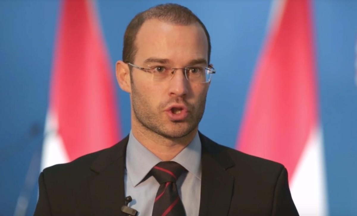 KDNP-s kormányszóvivő: tiszteletben tartjuk a politikai ellenfelek méltóságát