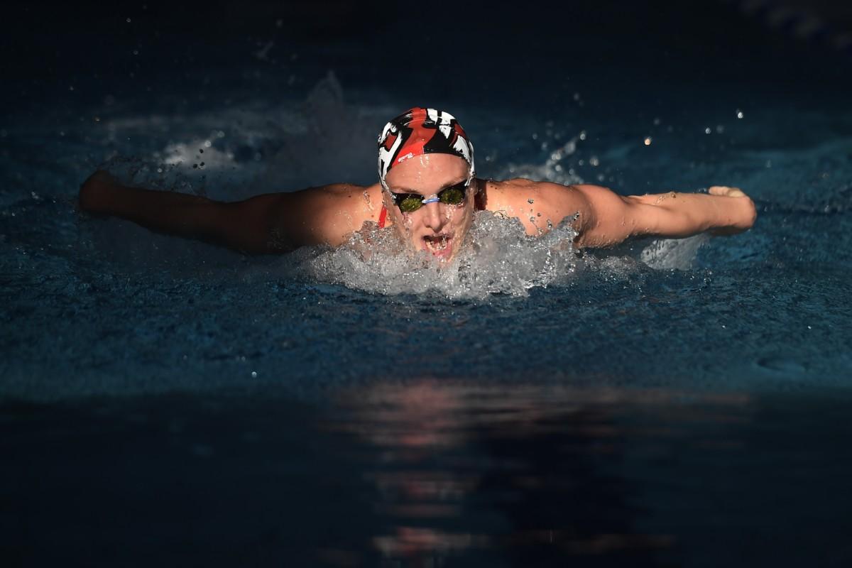 Hosszú Katinka háromszoros olimpiai bajnok úszó edz a fővárosi Duna Arénában 2018. november 28-án.