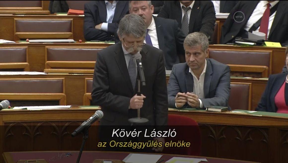 DK: Kövér ki akarta vezettetni az ellenzéket a Parlamentből