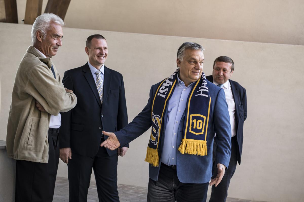 Orbán Viktor a Puskás Akadémia Sport- és Konferenciaközpont átadó ünnepségén Felcsúton 2018. október 13-án.