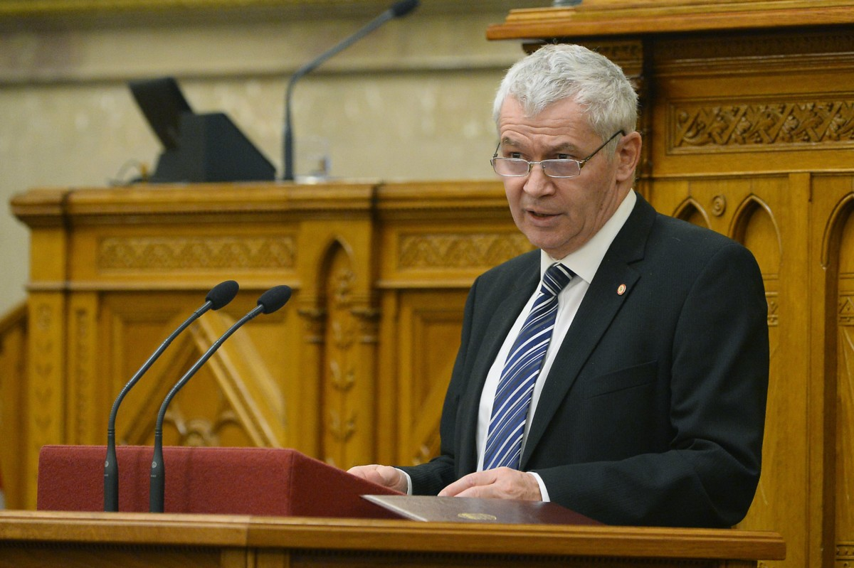 Polt Péter legfőbb ügyész az ügyészség 2017. évi tevékenységéről szóló beszámolóját tartja az Országgyűlés plenáris ülésén 2018. december 13-án.