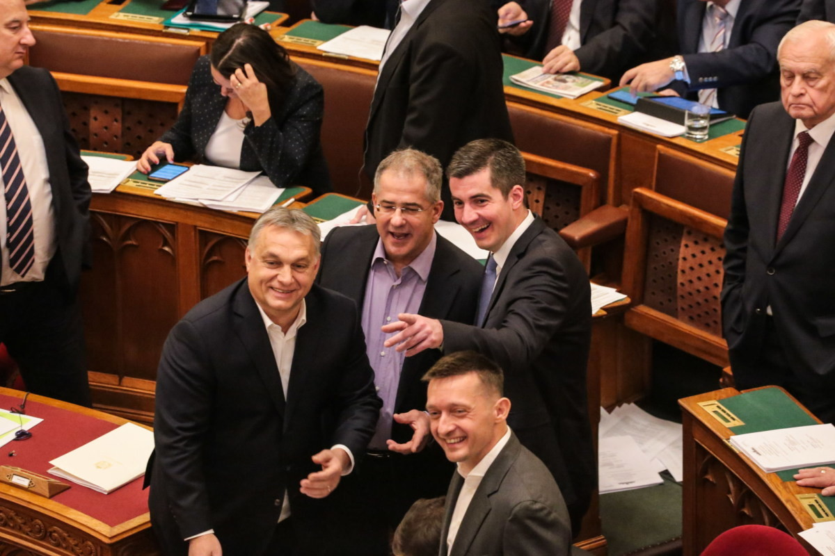 Orbán Viktor, Kósa Lajos, Kocsis Máté és Rogán Antal a parlament ülésén 2018. december 12-én.