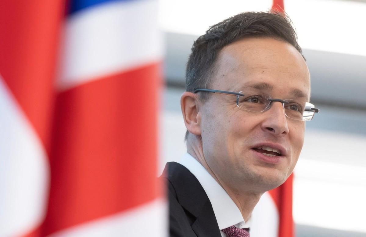 A Külgazdasági és Külügyminisztérium (KKM) által közreadott képen Szijjártó Péter külgazdasági és külügyminiszter beszédet mond Magyarország új főkonzulátusának megnyitóján a nagy-britanniai Manchesterben 2018. december 13-án.