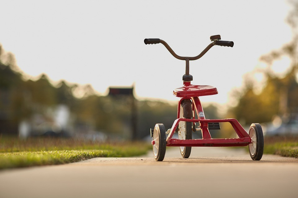 Triciklikkel erősít a Magyar Posta a karácsonyi csúcsban