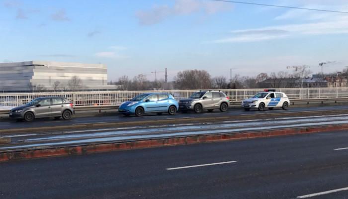 Megállt autóval a híd közepén, majd a Dunába ugrott egy férfi Budapesten