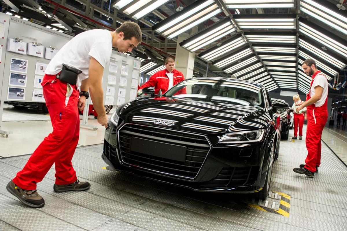 Megbénult egy német Audi-gyár a győri sztrájk miatt