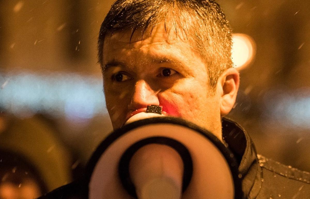 Hadházy visszaszólt az ellenzéket köpködő Sallai Róbert Benedeknek
