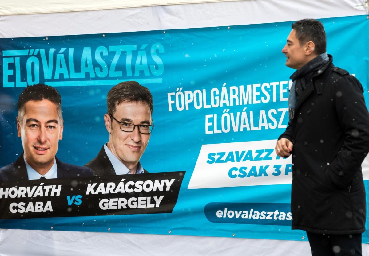 Horváth Csaba, az MSZP főpolgármester-jelöltje, miután leadta szavazatát a baloldali pártok főpolgármester-jelölti előválasztásán a XXI. kerületi Görgey Artúr téren 2019. január 28-án.