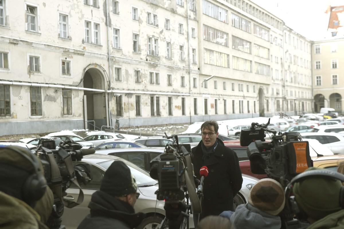 Karácsony Gergely, a Párbeszéd főpolgármester-jelöltje Budapest mindenkié! címmel kampányindító sajtótájékoztatót tart a Fővárosi Közgyűlés épületének udvarán az V. kerületi Városház utcában 2019. január 10-én.