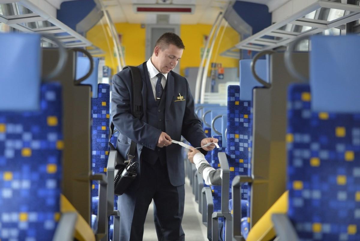 Alig verik már a kalauzokat a magyar vonatokon