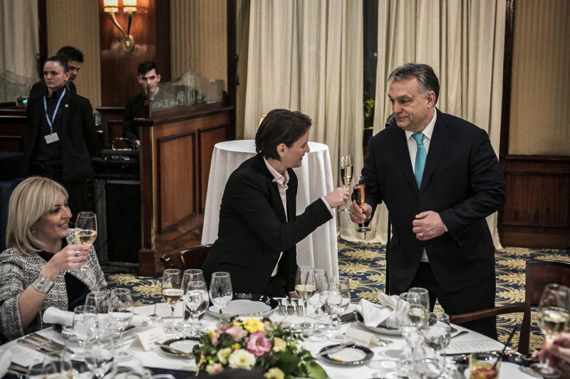 Orbán Viktor miniszterelnök és Ana Brnabic szerb miniszterelnök a budapesti Gundel étteremben 2018. február 8-án este.