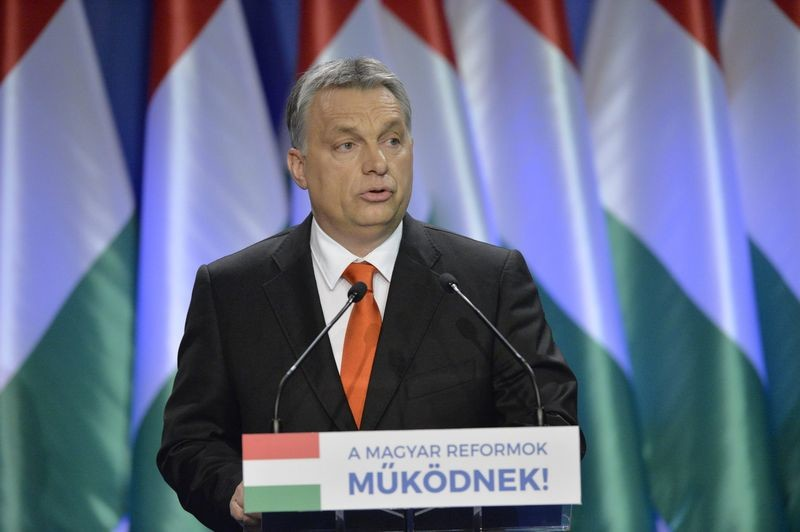 Orbán Viktor miniszterelnök hagyományos évértékelő beszédét tartja a Várkert Bazárban 2016. február 28-án.