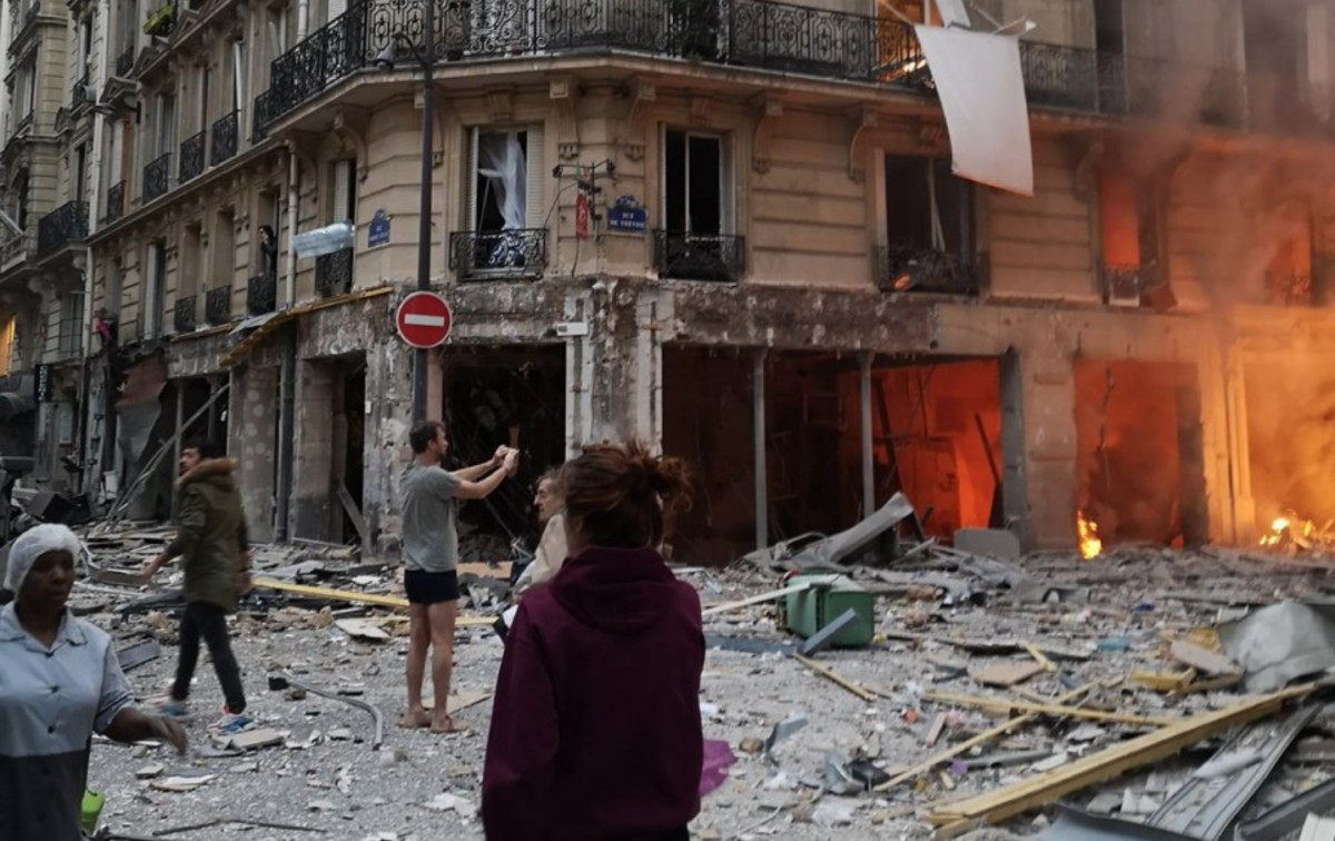 Robbanás volt Párizsban, több ember megsérült