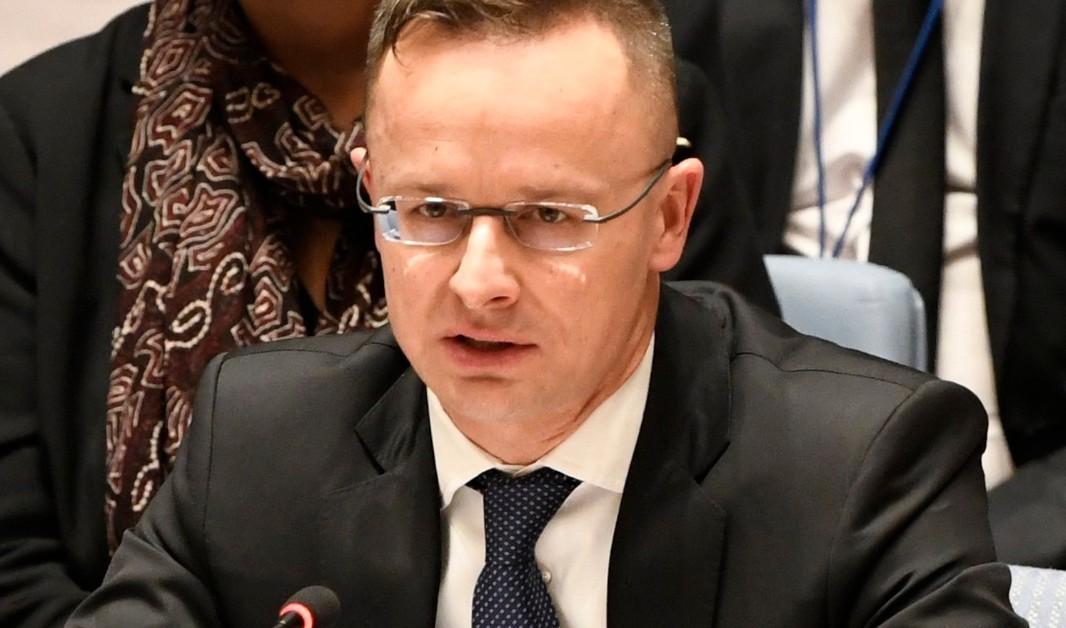A Külgazdasági és Külügyminisztérium által közreadott képen Szijjártó Péter külgazdasági és külügyminiszter felszólal New Yorkban, az ENSZ Biztonsági Tanácsának tanácskozásán, amelyen az éghajlattal összefüggő katasztrófák nemzetközi békére és biztonságra gyakorolt hatásainak kezeléséről egyeztetnek 2019. január 25-én.