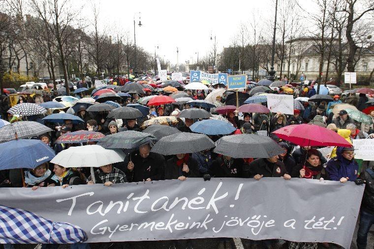Sztrájkra készülnek a pedagógusok, megfogalmazták a követeléseiket