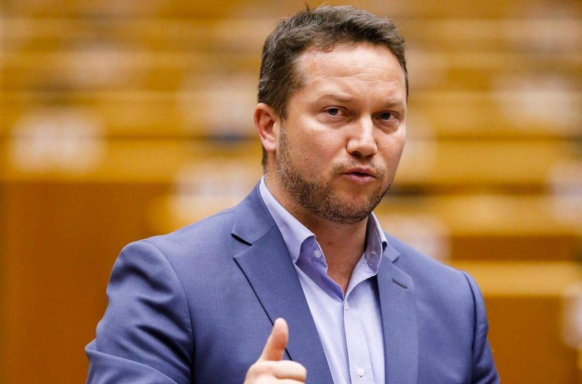 Ujhelyi: a Fidesznek papírja van arról, hogy lopni akar